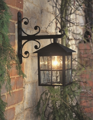 Traditional Wall Lanterns