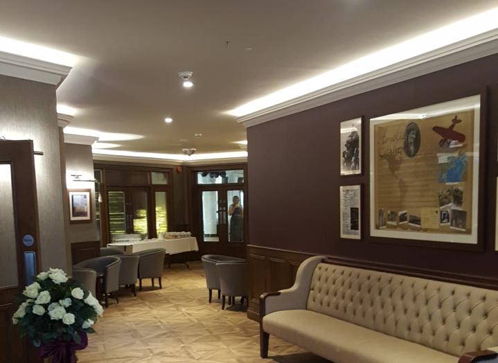 foyle-derry-foyer-pitchers-lounge.jpg